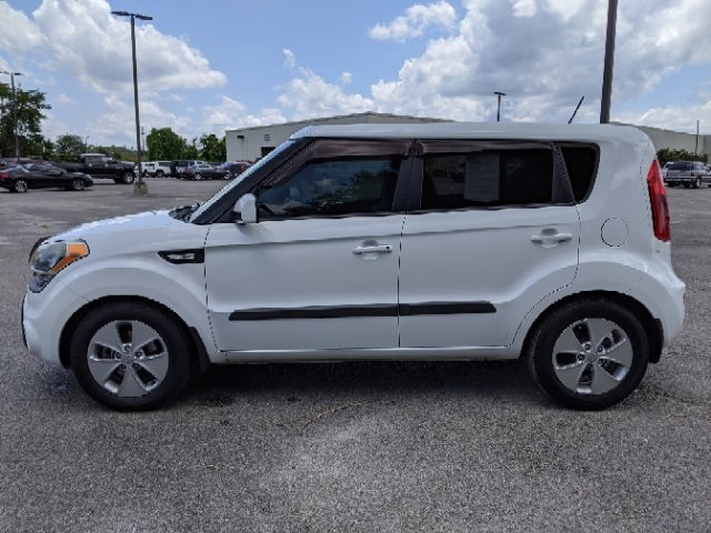 Pre-Owned 2013 Kia Soul Base