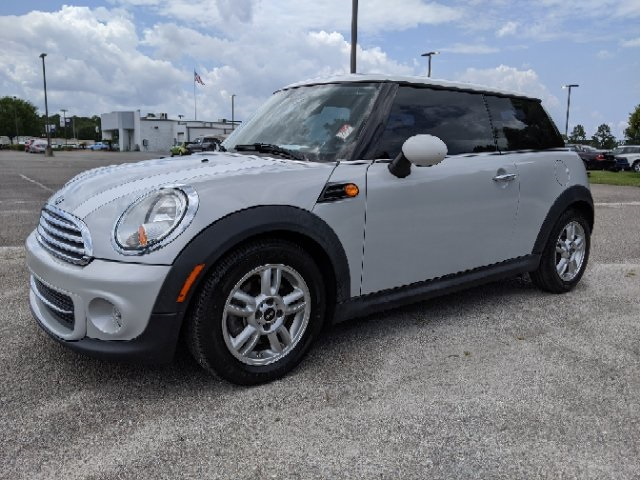 Pre-Owned 2013 MINI Cooper Base